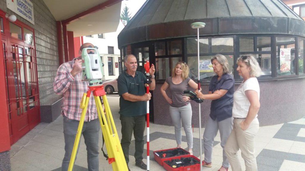 Terenska-obuka-5-1024x576 Nabavljena suvremena geodetska oprema za općinu Žepče